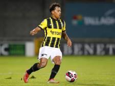 Tegenslag Manhoef op weg naar derby Vitesse tegen NEC: knieoperatie zet talent weken buitenspel