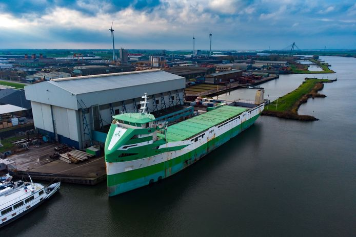 Thecla Bodewes Shipyards Kampen. Op de foto de Caranx.