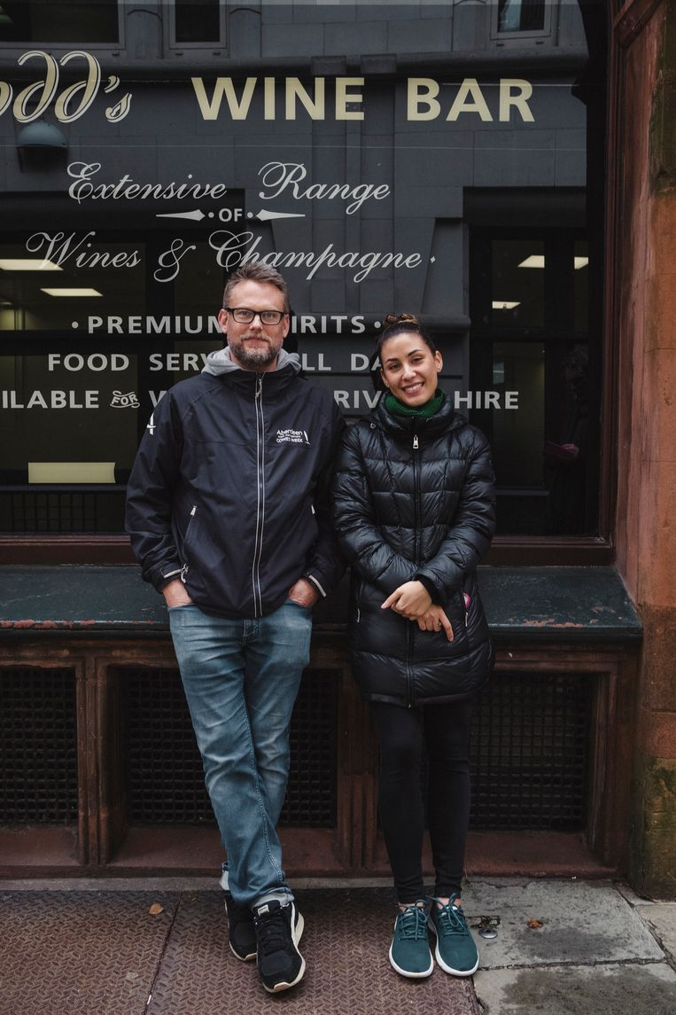 Harry Owen met zijn collega Julianna Hitchins. Beeld Carlotta Cardana