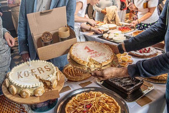 De winnende taarten met een eerste plaats voor Isabelle Vandorpe (de bovenste taart, cake in een bidon), tweede plaats voor Nele Saint-Germain en de derde plaats voor Saidja Callewaert.