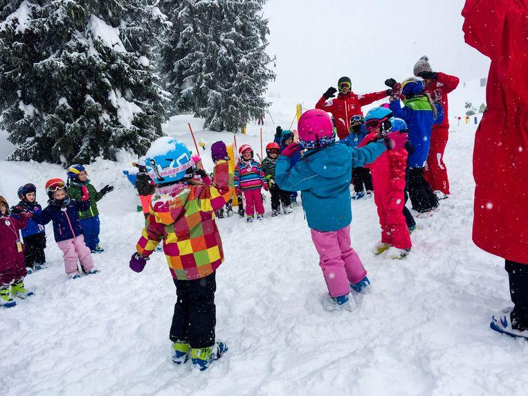 Skiën bij Kinder Kaiserland in Scheffau. Beeld aimée kiene