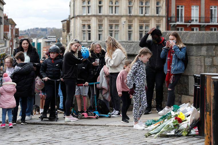 Bloemen bij de ingang van Windsor Castle. Beeld AFP