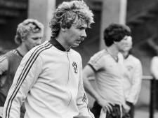 De rode kaart die Hans Kraay 24 wedstrijden schorsing kostte, achtervolgt hem nog steeds: 'Ik schaam me kapot'
