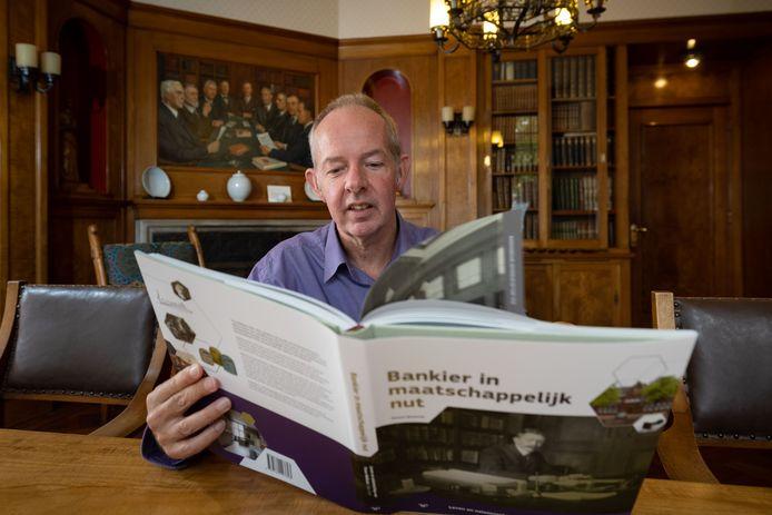 Geraart Westerink schreef een boek over het vermaarde Walkate-archief in Kampen.