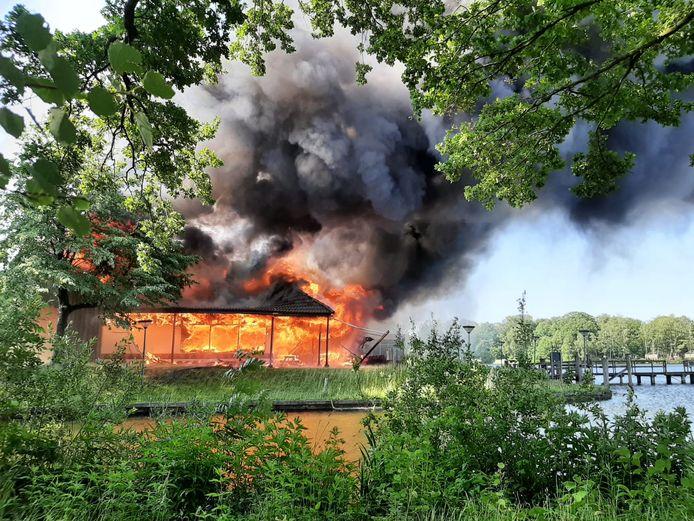 Brand in hoofdgebouw Beekse Bergen.