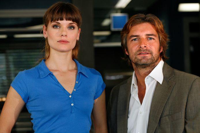 Victor Reinier met Flikken-collega Angela Schijf.