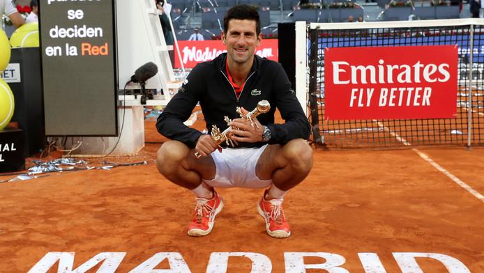Après sa victoire à Madrid, Djokovic compte désormais 74 titres à son palmarès, dont 33 en Masters 1000, ce qui lui permet d'égaler Nadal au rang des joueurs les plus récompensés dans la catégorie de tournois la plus prestigieuse après les Grand Chelem.