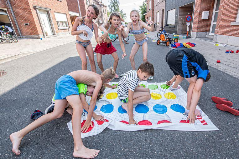 De kinderen hadden veel plezier in de Vlasbloemstraat.