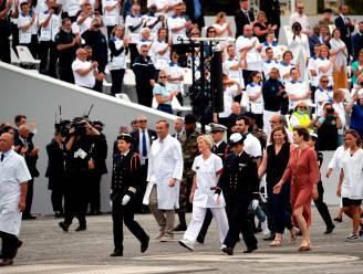 Hulpverleners op Place de la Concorde geëerd op Franse feestdag