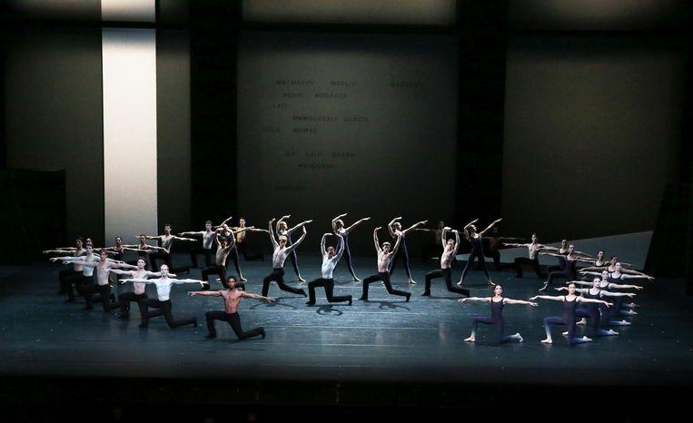 Requiem (1990) van Toer van Schayk, uitvoering 2016 door Het Nationale Ballet tijdens 'Hollandse Meesters' Beeld Hans Gerritsen