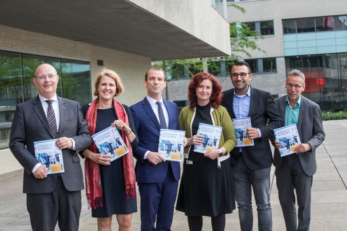 De zes Eindhovense wethouders.