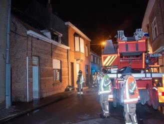 Ouder koppel opgevangen bij vrienden na zware woningbrand door werken aan het dak