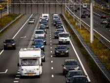 Kettingbotsing op de A28 bij Maarn, twee rijstroken richting Amersfoort dicht