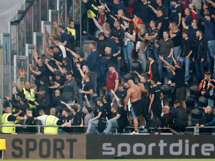 Spanning bij supporters over verloop van de IJsselderby