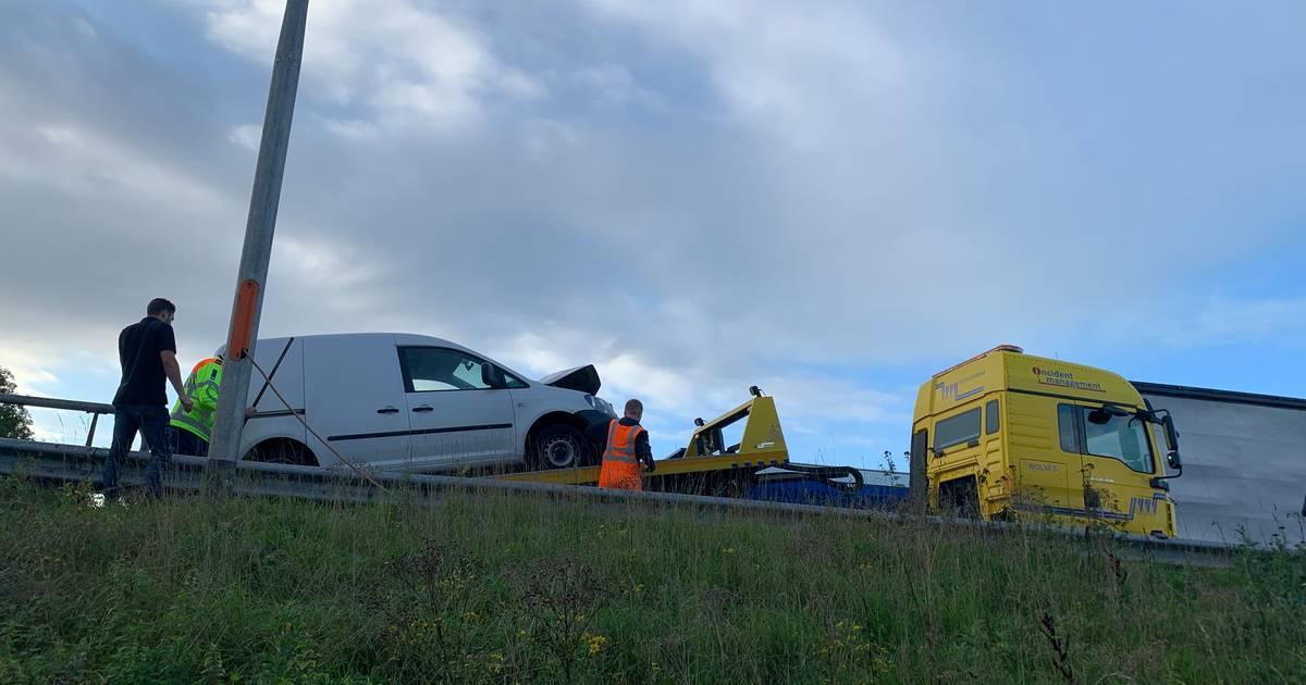 Verkeer rond Deventer loopt vast: vier ongelukken op A1.