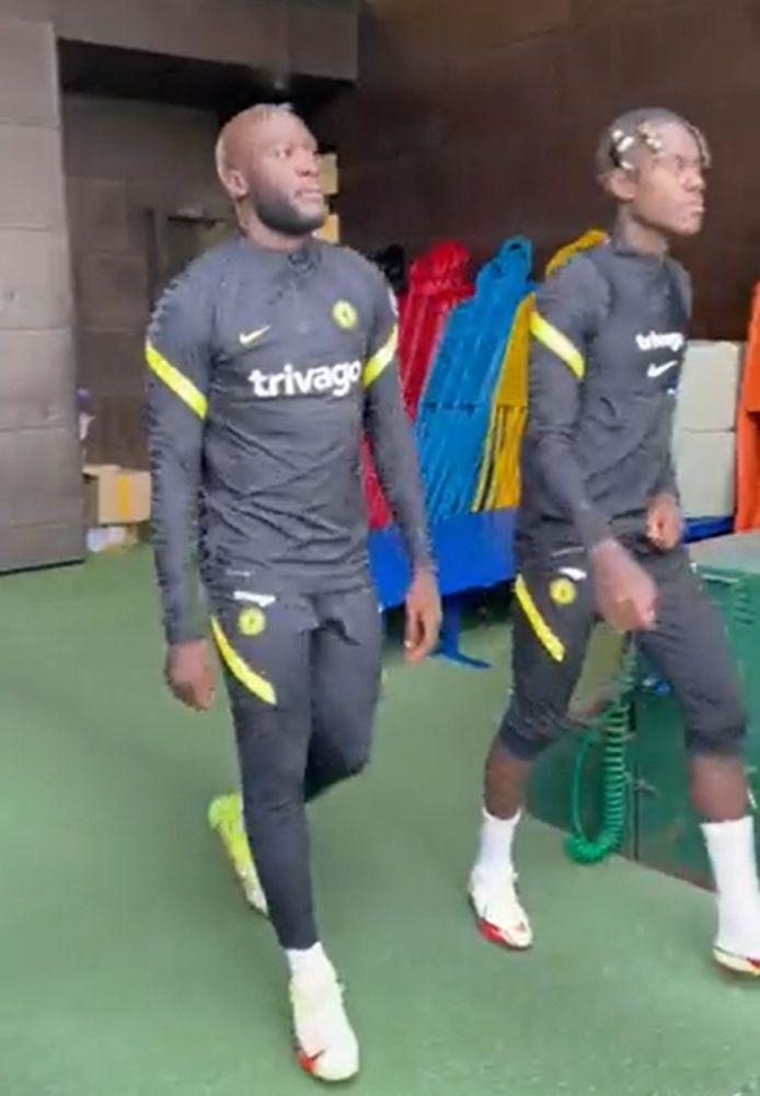 Romelu Lukaku traint een eerste keer mee bij Chelsea.