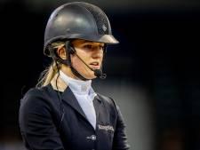Britt Dekker moest NK Dressuur laten lopen: 'Mijn paard is geblesseerd'