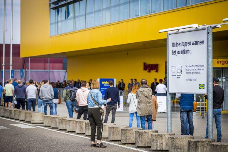 Rijen eerder dit jaar tijdens de lockdown bij IKEA. Beeld ANP