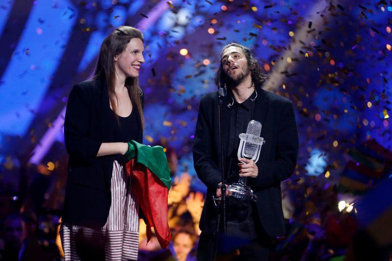 Muzikale zus en broer Luisa en Salvador Sobral op het podium in Kiev. Beeld WireImage