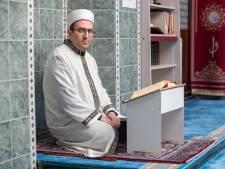Moslimjongeren vallen tussen wal en schip, ziet deze imam: 'We moeten meer naar hen omzien'