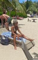 Debby op het strand