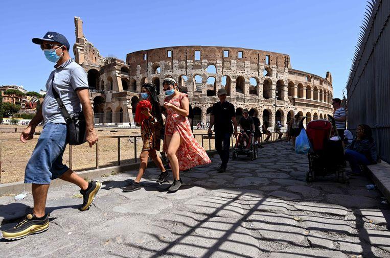 Vanaf 6 augustus hebben ook toeristen een coronacertificaat nodig voor veel activiteiten in Italië Beeld AFP