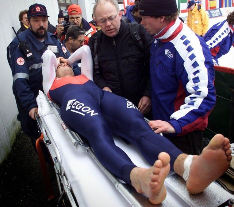 Dokter Berend Nikkels (met bril) was ook actief in de schaatssport. Hij beweert nooit dopingadviezen aan schaatsers te hebben gegeven, Beeld anp
