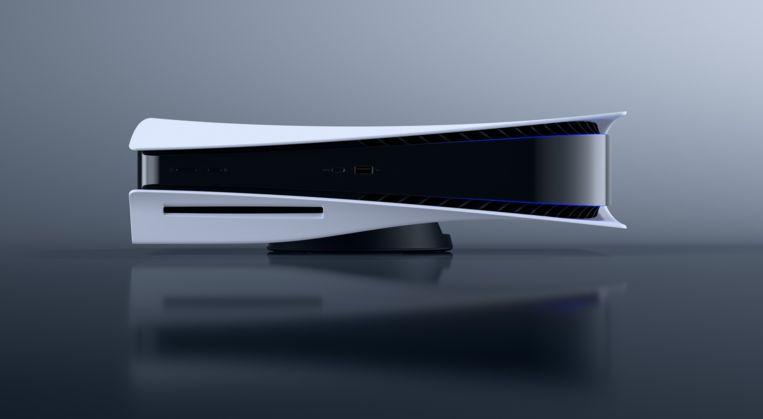 De PlayStation 5 kan ook op zijn zij worden gezet. Dat zal kleinbehuisden goed uitkomen. In de hoogte meet de console liefst 40 centimeter. Beeld Sony