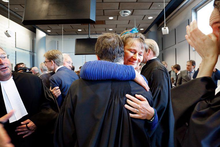 Blijdschap bij Urgenda na de rechterlijke uitspraak die de Nederlandse staat schaakmat zette. Beeld null