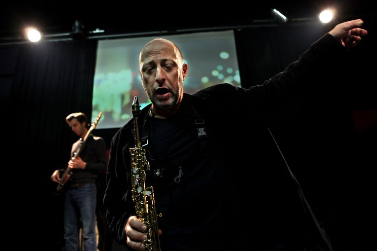 DEN HAAG - Componist / Saxofonist Ben van den Dungen repeteert met zijn band Motion unlimited in de Bazart voor