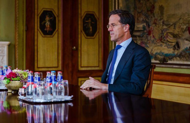 Mark Rutte van de VVD wordt ontvangen door informateur Herman Tjeenk Willink. Beeld ANP
