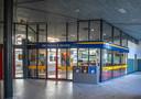 Medewerkers van het NS-loket in Zwolle vrezen de voorgenomen sluiting van de balie door NS.