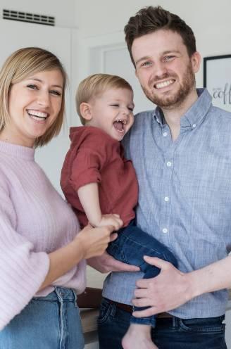 Een hypotheek afbetalen van 1.500 euro, een baby van bijna 2 jaar én nog kunnen sparen: zo pakt het jonge koppel Elke (31) en Joey (33) het aan