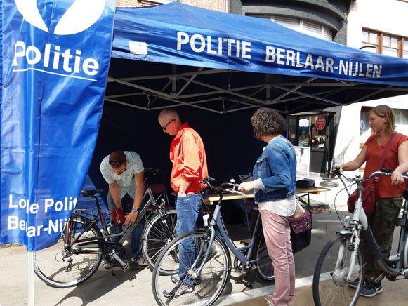 De politie graveerde 75 fietsen tijdens de Autoloze Zondag