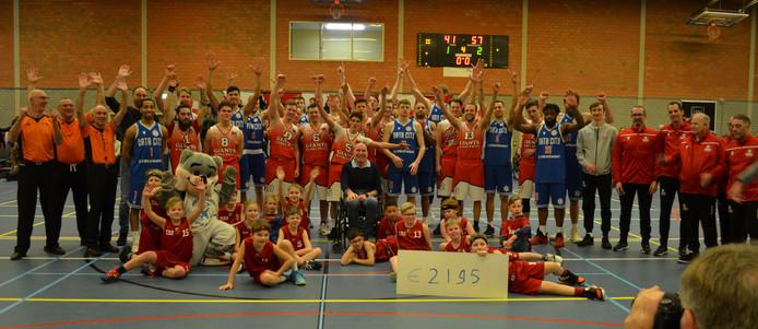 De Bergse basketbalclub WBB Giants nodigde de profs van Heroes Den Bosch uit voor een benefietwedstrijd in Bergen op Zoom, ten bate van een behandeling voor de zieke Hugo Wolff, secretaris van Giants. De aanvankelijke opbrengst van 2195 euro kon later nog werden bijgesteld van 2695 euro.