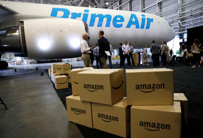 Een vrachtvliegtuig, een Boeing 767, van Amazon Prime Air.
