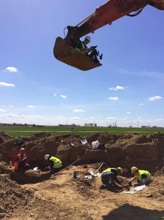 Een beeld van de opgravingen in het West-Vlaamse Langemark.