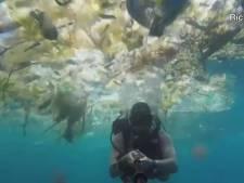 Il filme un océan de déchets dans les eaux de Bali