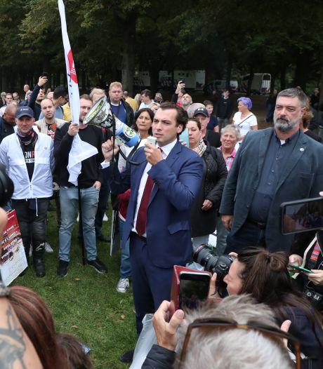 LIVE | Honderden betogers bij mars tegen coronapas, FvD-voorman Baudet spreekt hen toe
