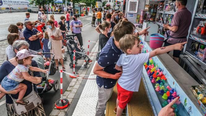 """Batjes en Pandjes vormen geslaagde test voor Waregem Koersefeesten: """"Via tellingen controleren of er niet te veel volk in het centrum was"""""""