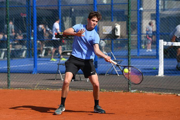 Benoit Torcq speelde zich in het openingsweekend van de Tennis Tour meteen in de kijker.