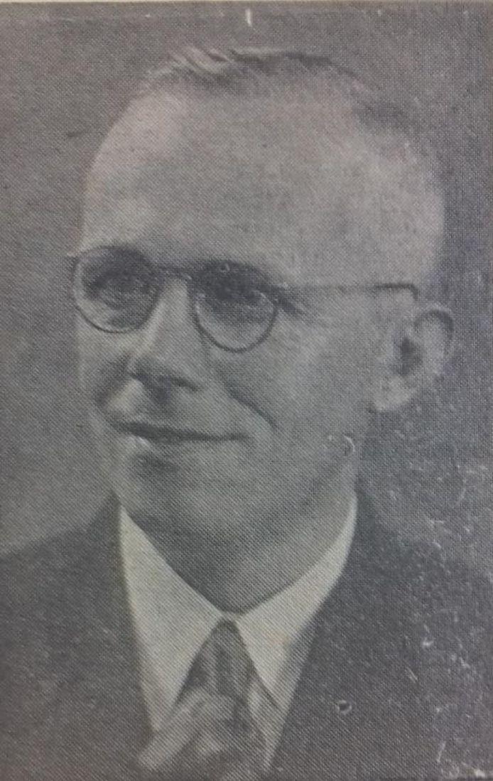 Dominee Jochem Hettinga, waarschijnlijk een vooroorlogse foto, uit The Pella Chronicle. Naar deze Amerikaanse krant stuurde Hettinga brieven die Beukema voor zijn onderzoek gebruikte.
