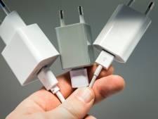 Incendie, électrocution: un chargeur de smartphone sur deux serait dangereux