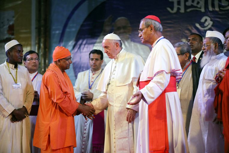 Paus Franciscus in Bangladesh. Beeld REUTERS
