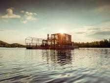 Embarquement immédiat pour Dinner on the Lake, une expérience culinaire magique sur l'eau