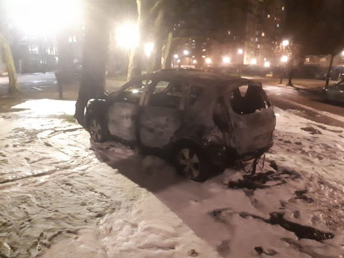In Anderlecht brandde een wagen uit.