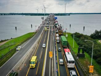 Watersportondernemers slijpen de messen: Haringvlietbrug moet vaker open