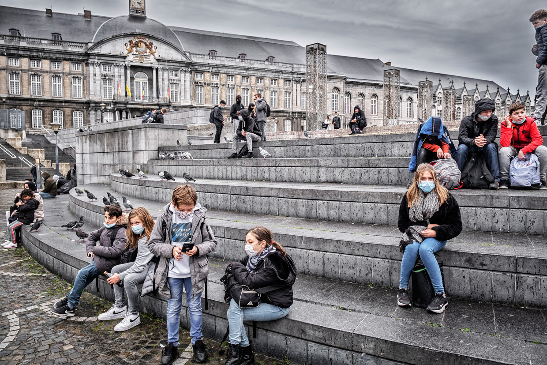 Op het Place Saint-Lambert, met op de achtergrond het Prinsbisschoppelijk Paleis: 'Het was allemaal net zo erg, werd ons gezegd.' Beeld Tim Dirven