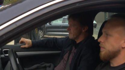 Opvallend: Vercauteren junior gaat Vercauteren senior thuis ophalen en brengt hem naar Neerpede