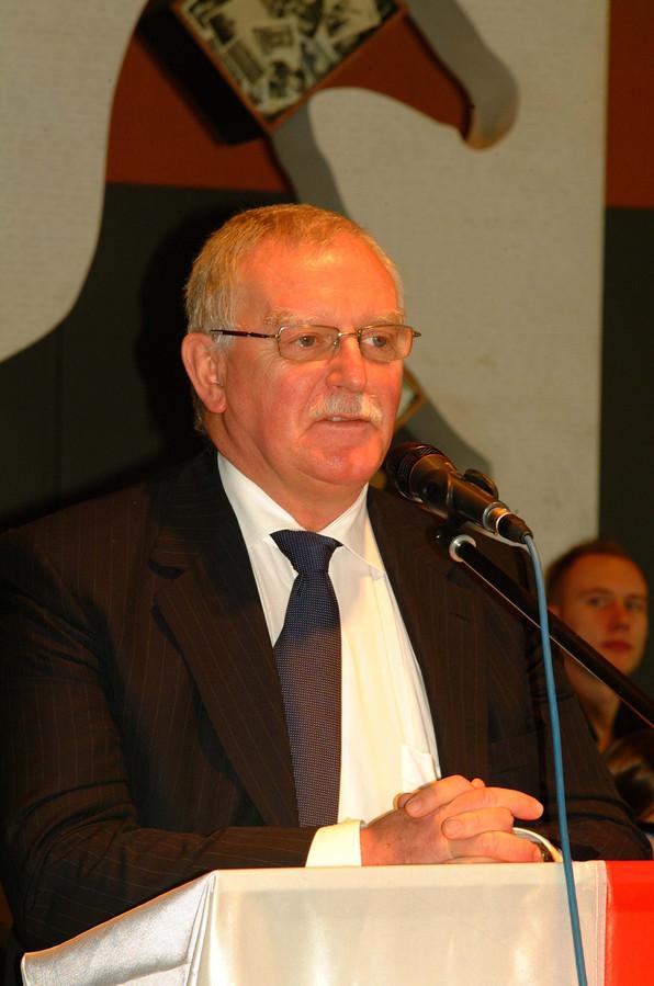 Marc Waelkens in het stadhuis van Waregem.